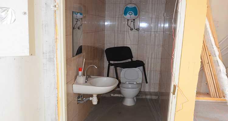 ремонт туалета в студии красоты