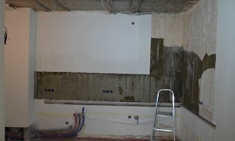 Подготовка стены фартука под укладку плитки