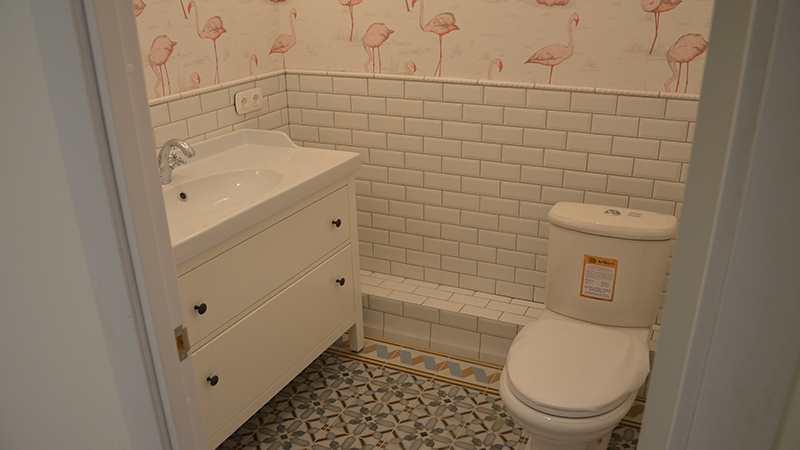 Плитка кабанчик  ремонт туалета под ключ Питер