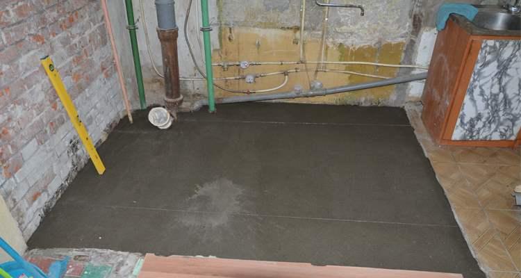 Заливка стяжки при ремонте ванной на пр. Ветеранов